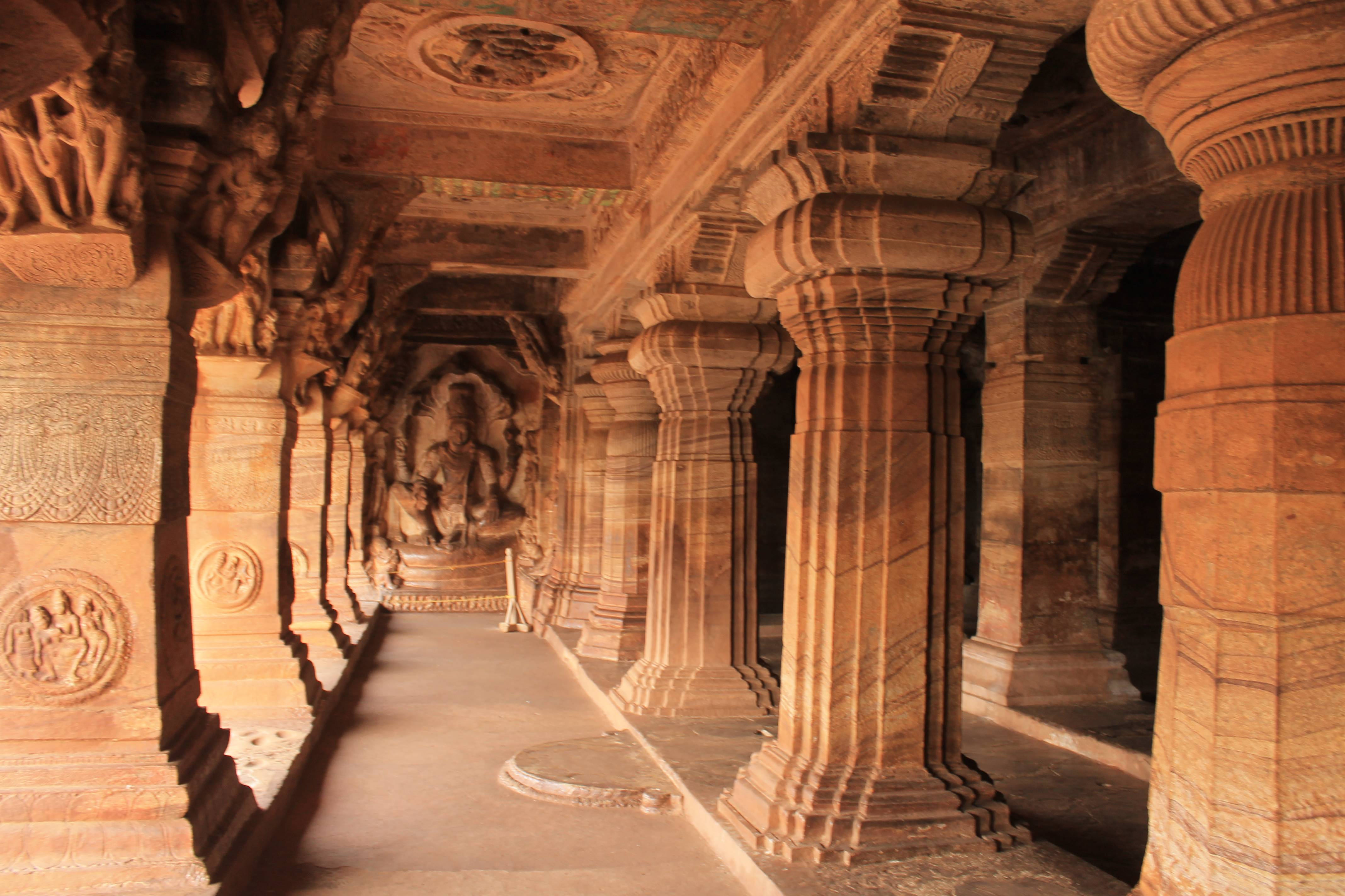 Bangalore to Badami Caves | GetMyCabs +91 9008644559 | innova crysta for rent in bangalore - GLK2470