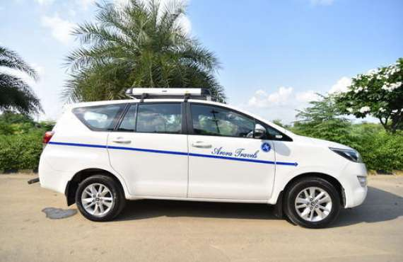 Toyota Innova  7+1 A/C Rs.4,200/-*, Toyota Innova for Outstation