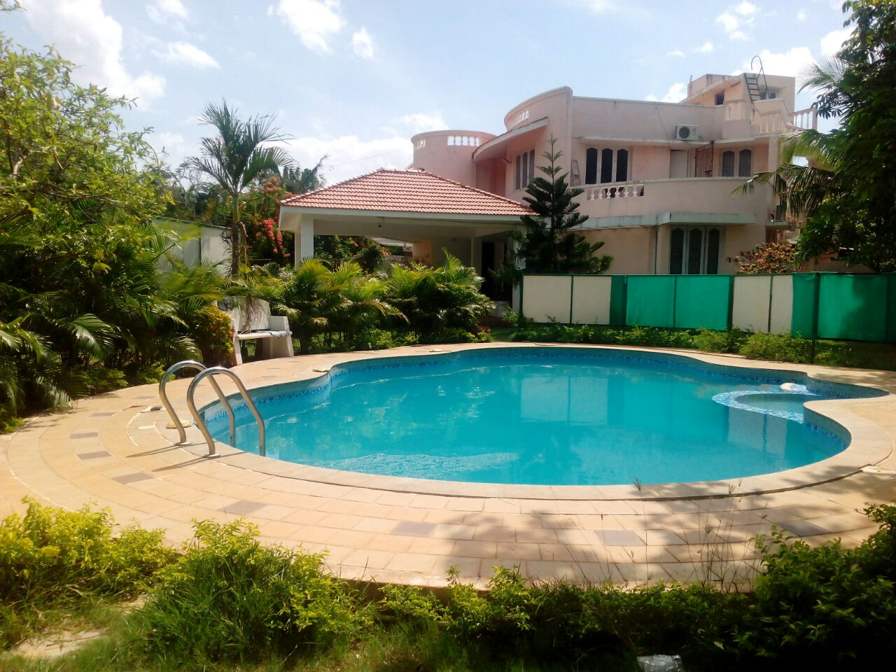 Beach house one day rent mobile no 9381017742 by apple beach house and resorts low price for Ecr beach resorts with swimming pool prices