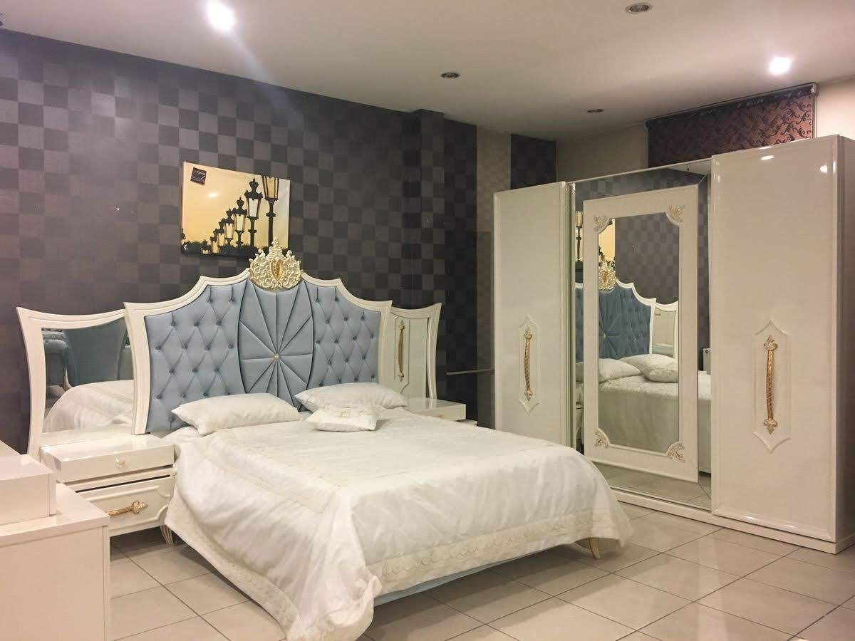 Lucky Furniture, Carving beds in Zirakpur, wooden carving images, modern carving beds,bed design, simple and modern carving beds in Zirakpur.