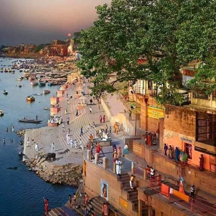 Subha E Banaras | Modern World Travel | Assi Ghat, subah E Banaras, pakka  mahal, gulli,