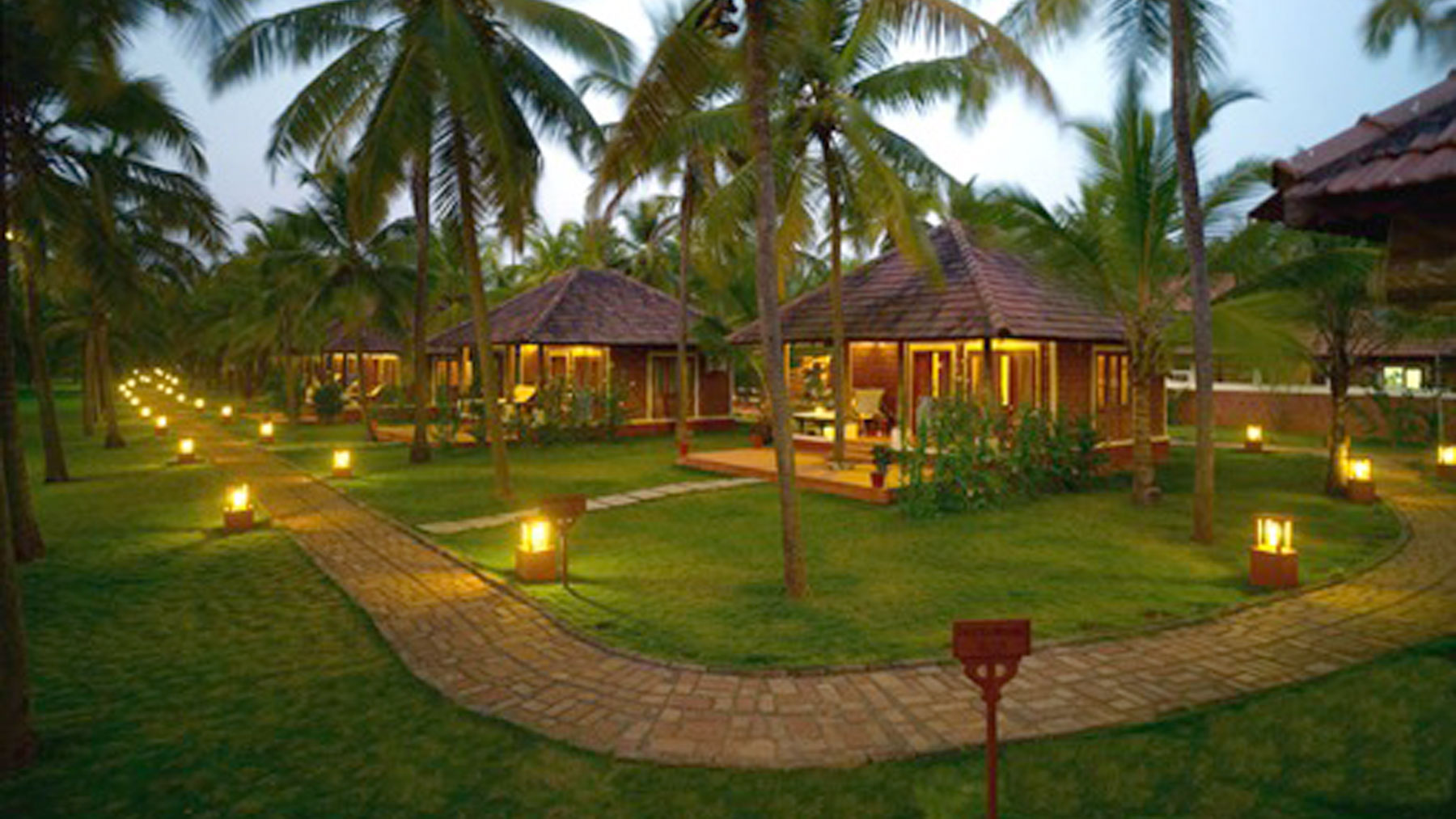 Beach house in ecr mobile no 9381017742 by apple beach house and resorts modern resorts for Ecr beach resorts with swimming pool prices