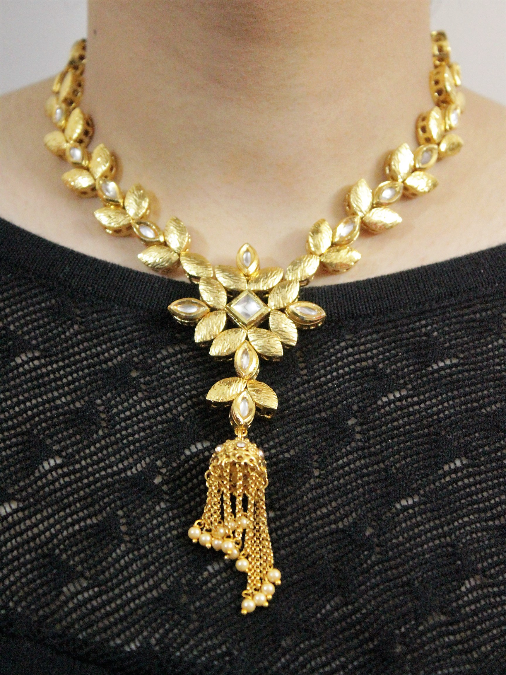 karwa chauth gifts for wife india  | IndiHaute | karwa chauth gifts for wife india online , karwa chauth gifts for wife india on husband , karwa chauth gifts for wife india on law , karwa chauth gifts for wife india mother in law  - GL76983