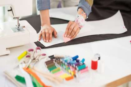 Our Fashion Design courses provide hands-on-learning and industry oriented projects. - International Design Academy, FASHION STYLING COURSES IN JABALPUR, BEST FASHION DESIGNING INSTITUTE IN JABALPUR, BUDGET FASHION DESIGNING COLLEGES IN JABALPUR, FASHION STYLING INSTITUTE IN JABALPUR, BEST FASHION STYLING INSTITUTE