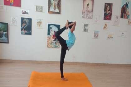 Sunrise Yoga, Best Yoga classes in tricity, power yoga in zirakpur, yoga for weightloss in zirakpur, yoga for ladies in zirakpur, yoga for gents in zirakpur, yoga for men in zirakpur